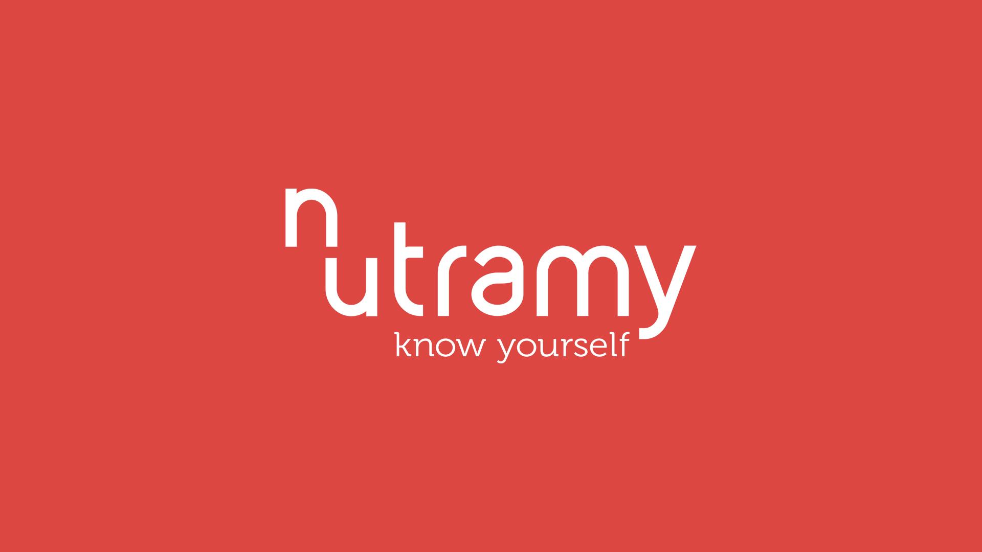 nutramy_logo